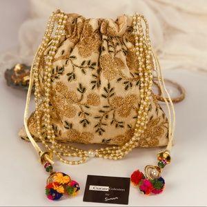 Handbags - 💥NEW💥 Boho Chi green gold Drawstring Clutch Bag